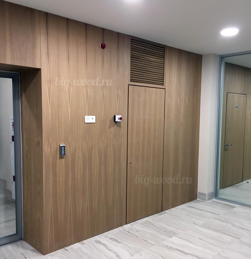 Панель стеновая с дверью ВУФК.305428.003